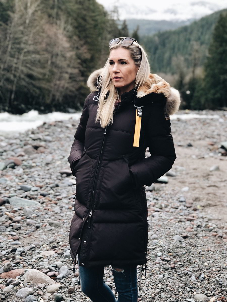 Staying Warm and Cozy With The Right Winter Jacket